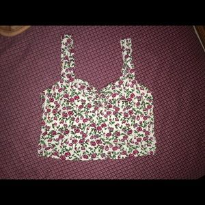 Tops - Two (1green/1white) FLORAL 🌺 crop tops